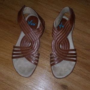 Brown sandals size 7